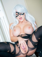 Bryci is a smoking hot girl with huge boobies. She has thousands of photos ranging from casual, latex, glamour and more. She also has HD videos and does webcam chats!
