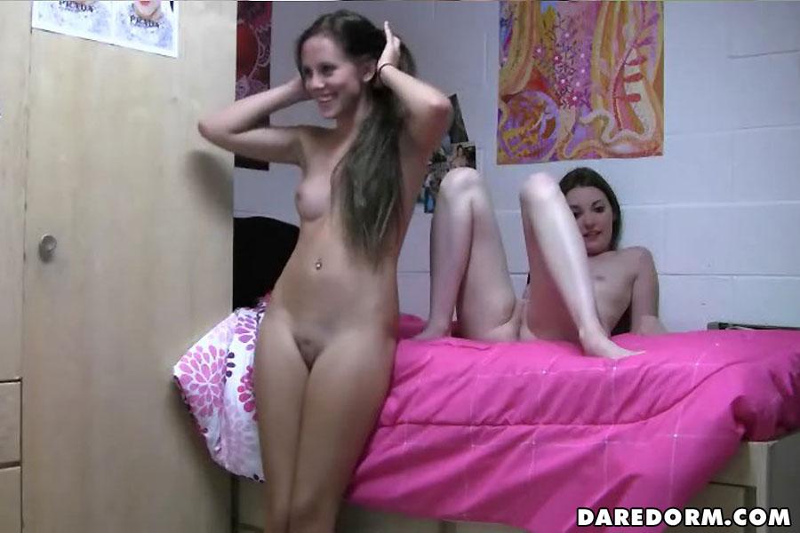 Девушки голые в общаге фото 51750 фотография