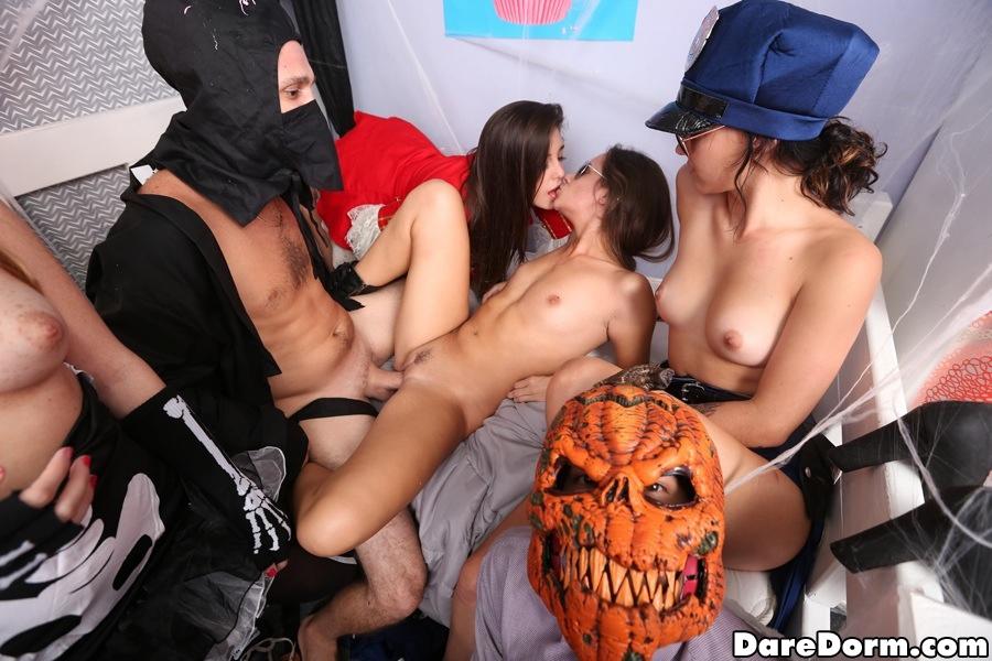 Free Porn Halloween Pics - Pichunter