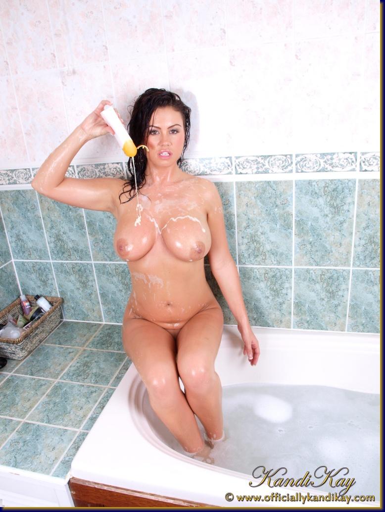 kandi kay bubble bath