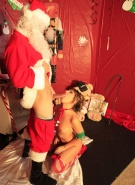 Real Peachez Pics Naughty Lil Elf BJ #3