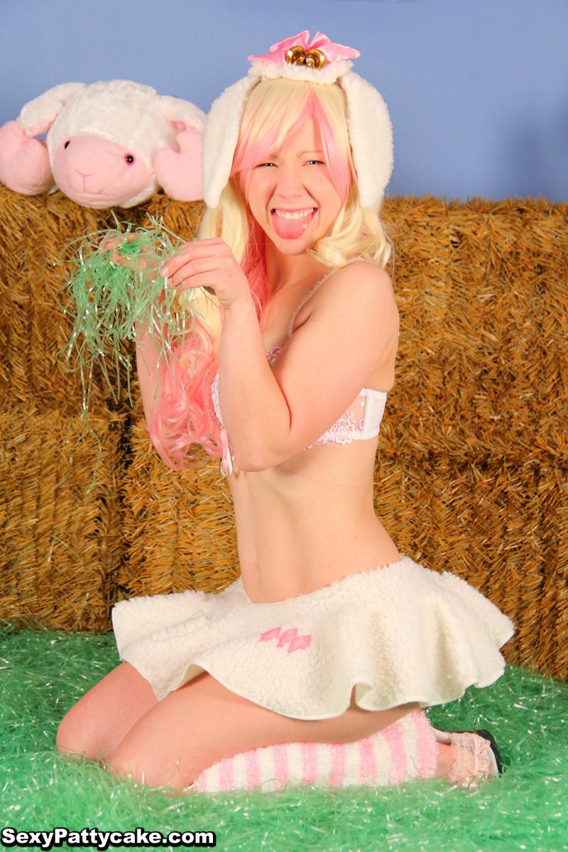 Mega farm fun blonde something