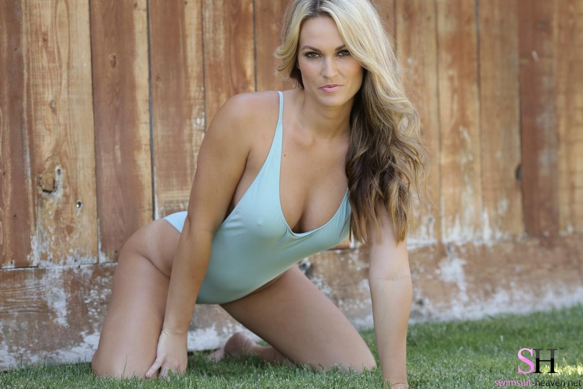 Erotic swimsuit models pics apologise
