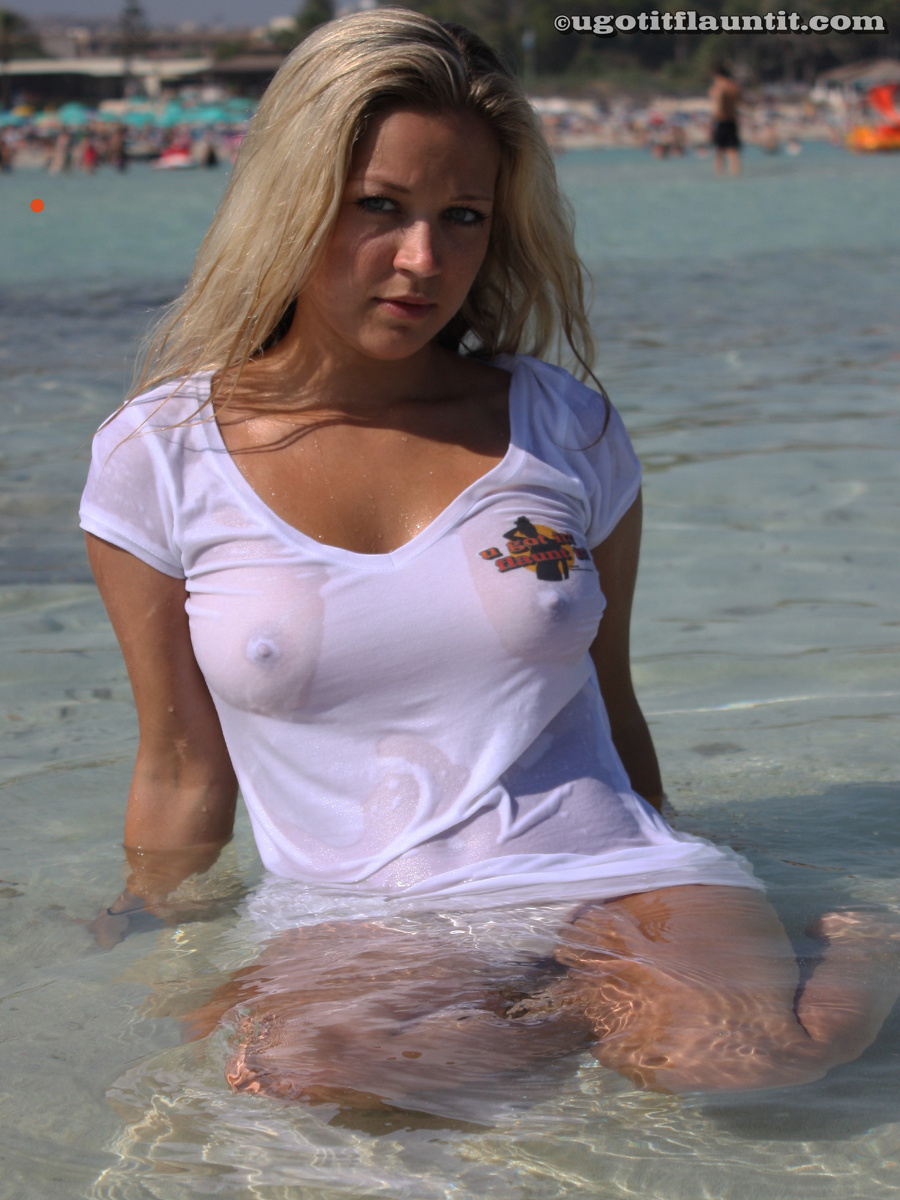 will kneel between Large puffy pussy lips just looking for
