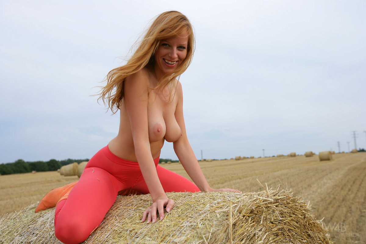 girls naked in the hay field