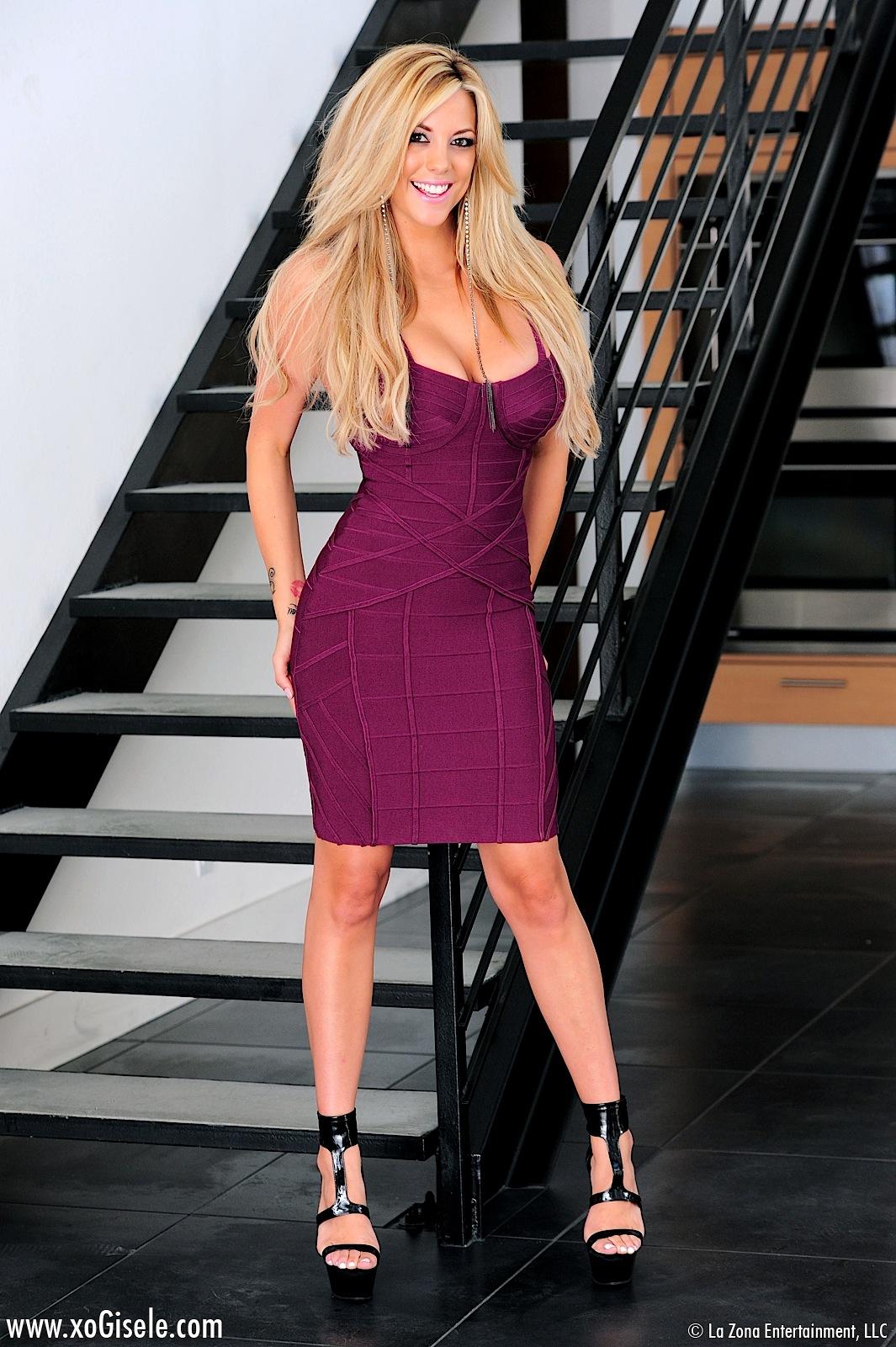 xo gisele stairway strip girlsfordays