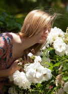 Zishy Pics Holly Benson Blonde Landscaping #3