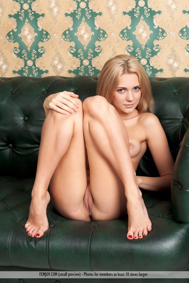 tiny blonde nude