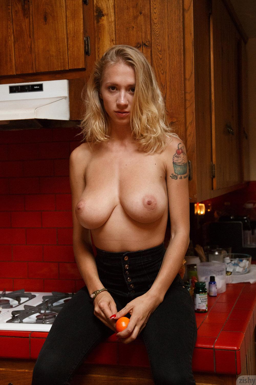 women juicy breast naked